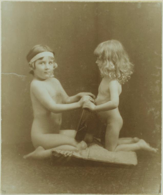 Юнные голые мальчики 19 фотография